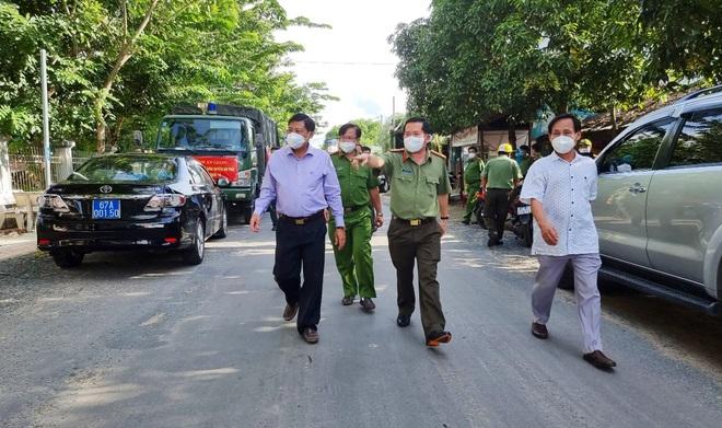 Cận cảnh công tác chống dịch tại địa phương bị Thủ tướng điểm danh - 2