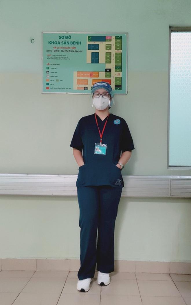 Khỏi Covid-19, nữ sinh 18 tuổi xin ở lại bệnh viện chăm sóc F0 - 1
