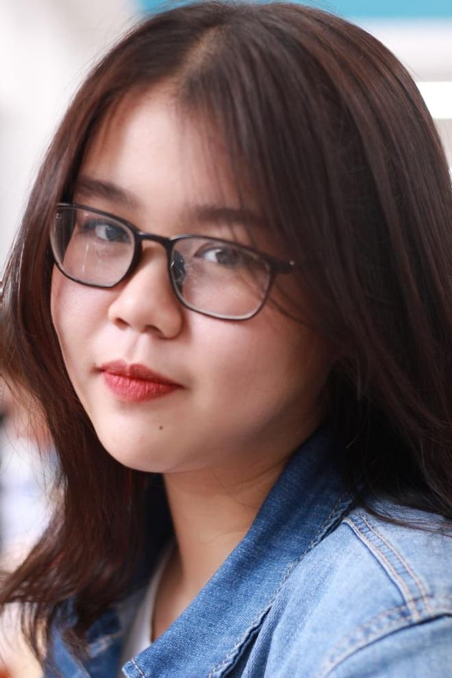 Khỏi Covid-19, nữ sinh 18 tuổi xin ở lại bệnh viện chăm sóc F0 - 5