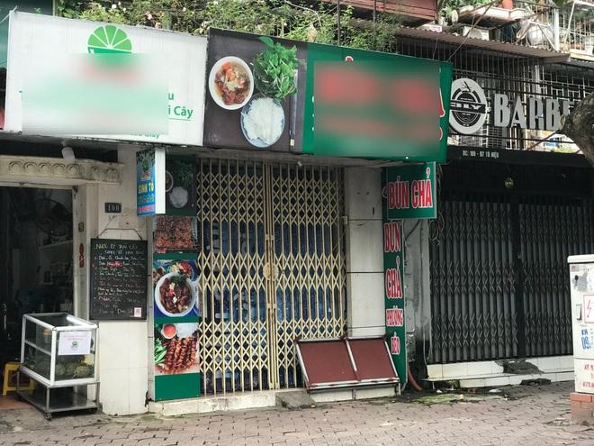 Nỗi buồn quán vùng xanh: Thực phẩm tăng giá, cả sáng bán được 2 bát bún - 1