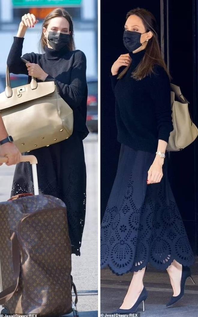 Angelina Jolie mặc đồ đen giản dị vẫn đẹp nổi bật ngoài sân bay - 2