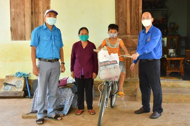 Chủ tịch Phú Yên: Dứt khoát không để trẻ mồ côi vì Covid-19 phải bỏ học - 4