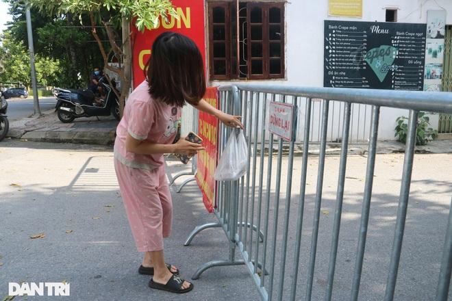 Cận cảnh khu vực phong tỏa ổ dịch có 6 ca F0 trong một gia đình ở Hà Nội - 12