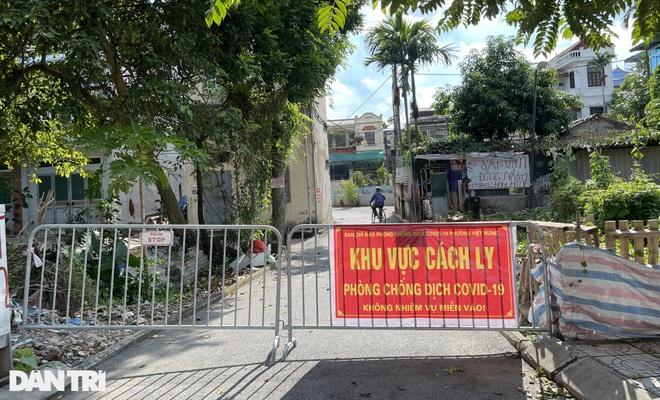 Cận cảnh khu vực phong tỏa ổ dịch có 6 ca F0 trong một gia đình ở Hà Nội - 9