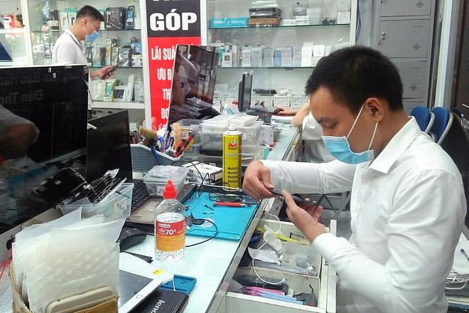 Hà Nội: Bớt giãn cách, tăng tuyển lao động - 3