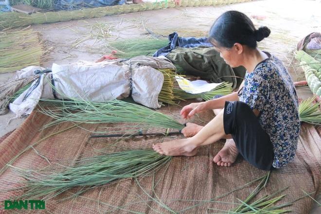 Sống khỏe trong dịch bệnh nhờ cuộn rơm đuôi trâu xuất khẩu sang Nhật - 4