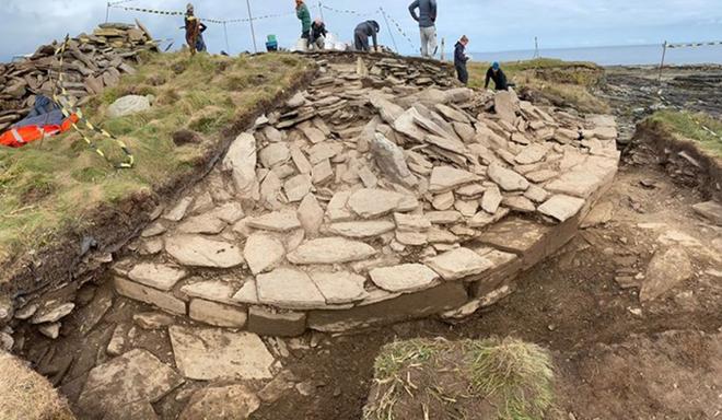 Những quả cầu bí ẩn trong lăng mộ thời kỳ đồ đá mới ở Scotland - 3