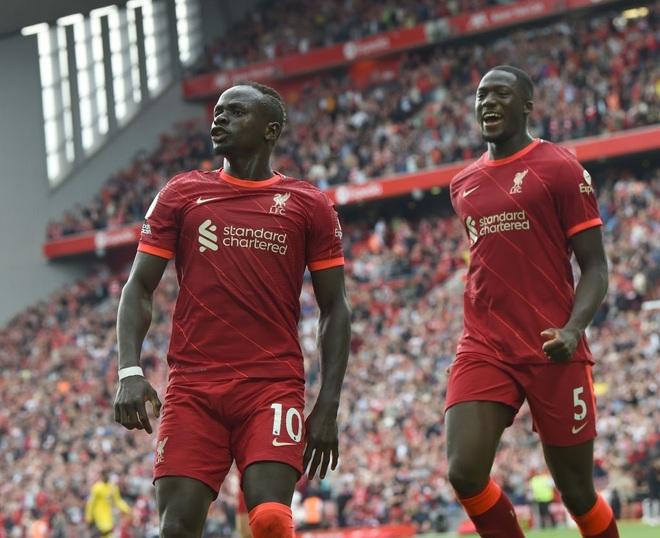 Liverpool vượt mặt Man Utd vươn lên dẫn đầu bảng xếp hạng - 1
