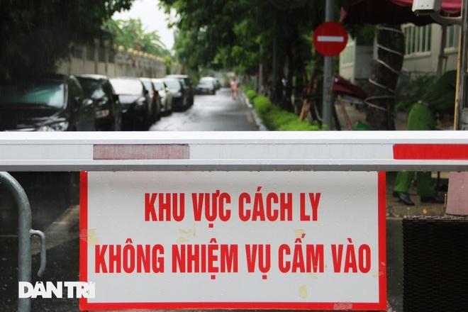 Covid-19 tại Hà Nội: Thêm 3 F0, nới lỏng một số hoạt động từ ngày mai - 1