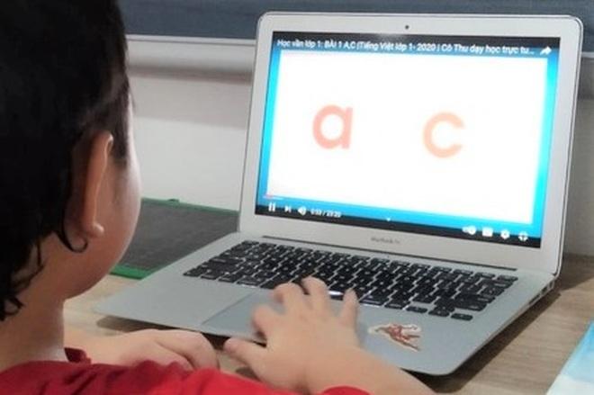 Học sinh tiểu học của Bạc Liêu học qua truyền hình từ ngày 20/9 - 1
