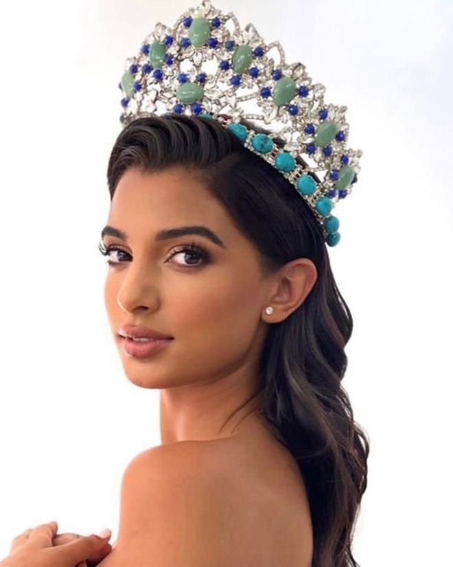 Nhan sắc bốc lửa của Hoa hậu Quốc tế Dominica - 7