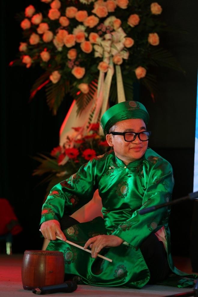 Nghệ sĩ Quang Tèo bất ngờ phá cỗ trung thu cùng Quả thơ - 2