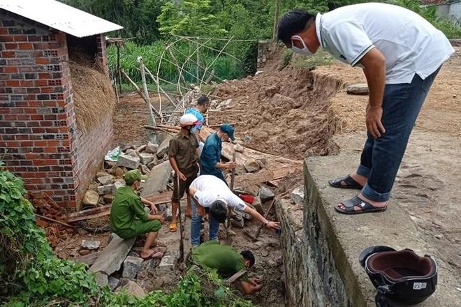 Bị mảng tường gạch đổ đè lên người, một thợ xây tử vong - 3