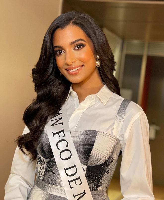 Nhan sắc bốc lửa của Hoa hậu Quốc tế Dominica - 4