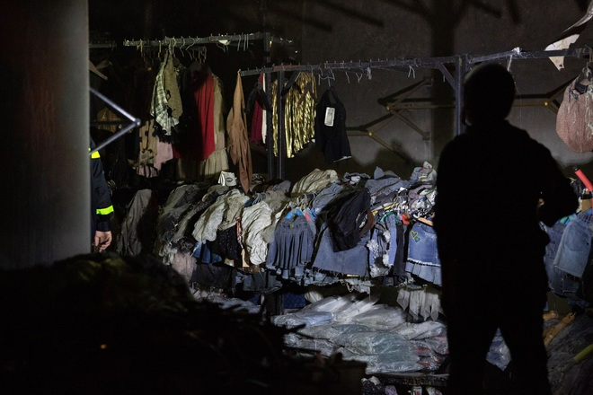 Hà Nội: Cháy lớn tại shop quần áo ở làng vải Ninh Hiệp  - 3