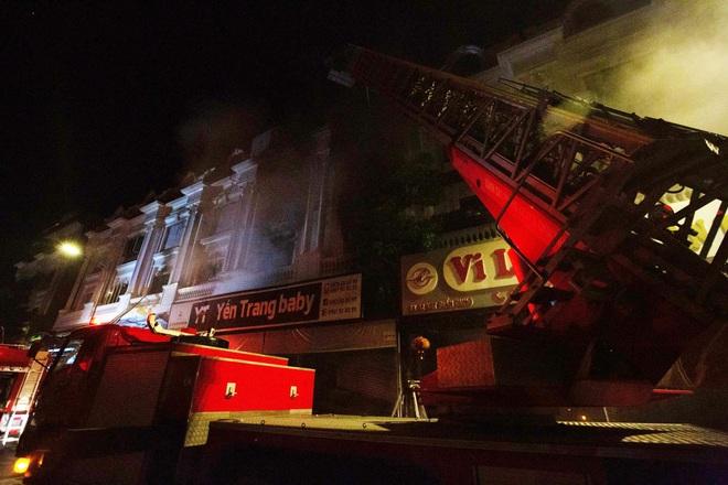 Hà Nội: Cháy lớn tại shop quần áo ở làng vải Ninh Hiệp  - 1