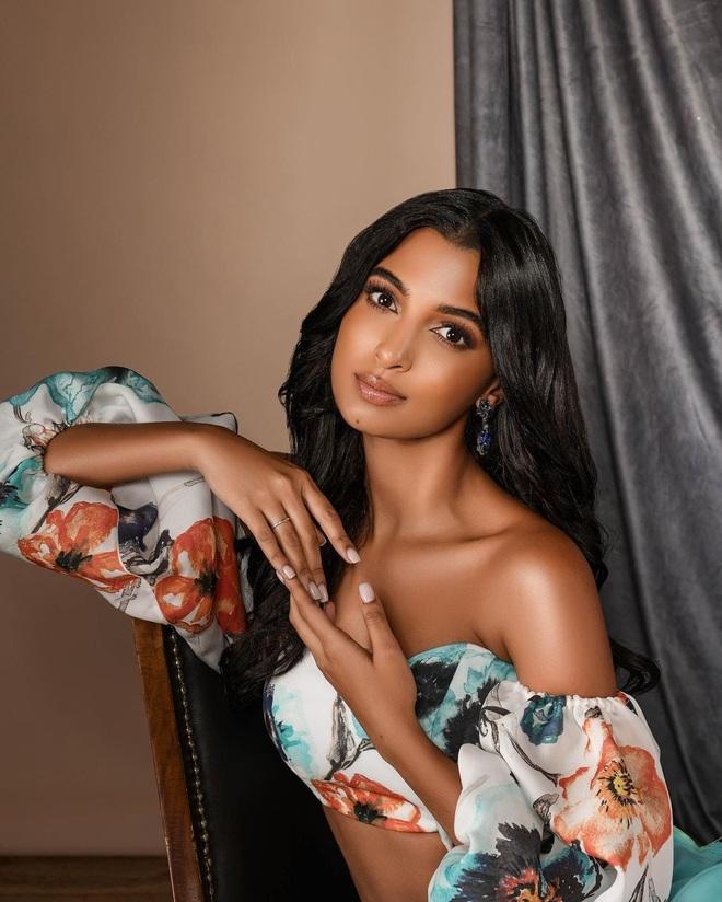 Nhan sắc bốc lửa của Hoa hậu Quốc tế Dominica - 6