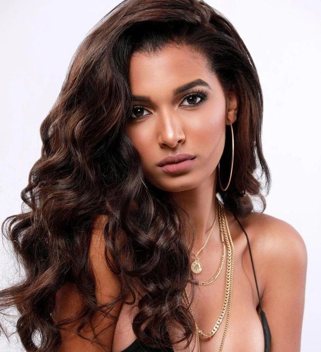Nhan sắc bốc lửa của Hoa hậu Quốc tế Dominica - 2