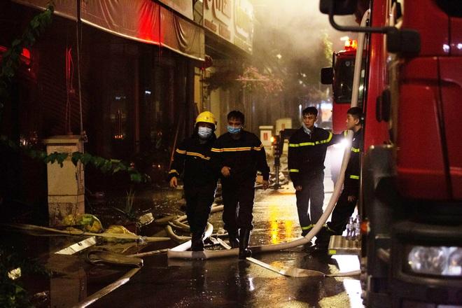 Hà Nội: Cháy lớn tại shop quần áo ở làng vải Ninh Hiệp  - 4