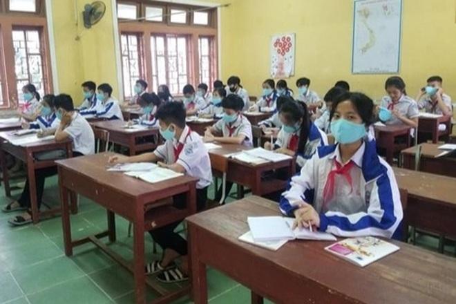 Học sinh khu vực an toàn Thừa Thiên Huế trở lại trường học vào ngày 20/9 - 1