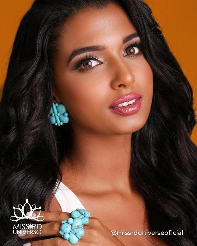 Nhan sắc bốc lửa của Hoa hậu Quốc tế Dominica - 5