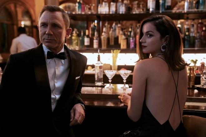 Nhan sắc nóng bỏng của mỹ nhân Cuba lần đầu vào vai Bond Girl - 1