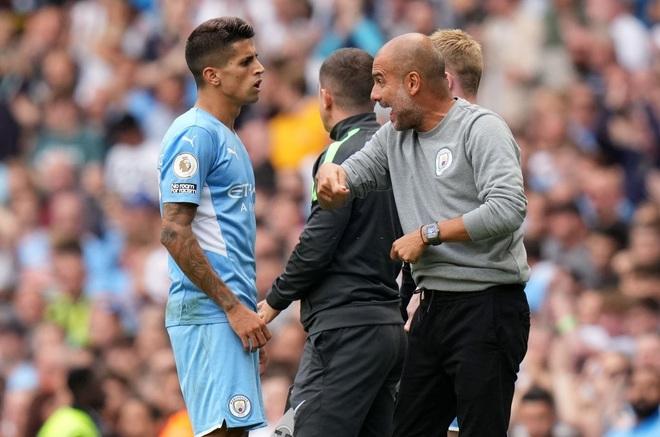 Man City gây thất vọng, HLV Guardiola nói điều bất ngờ - 2