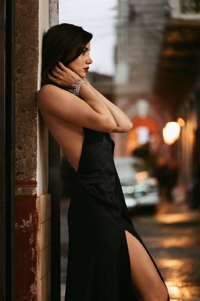 Nhan sắc nóng bỏng của mỹ nhân Cuba lần đầu vào vai Bond Girl - 4