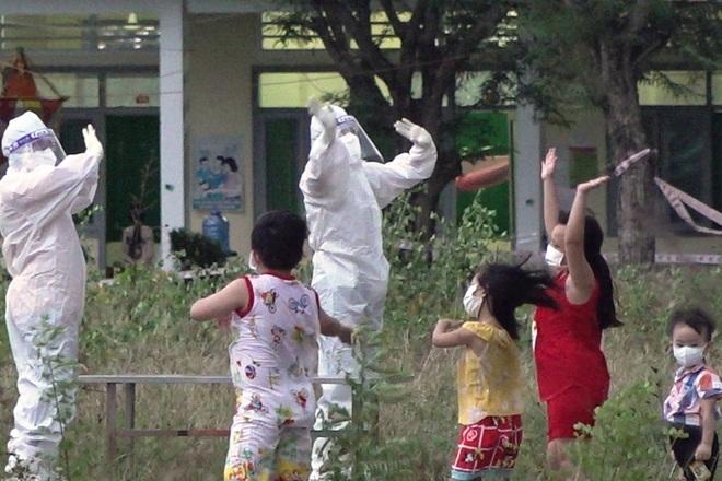 Gần 70 trẻ em ở nơi đặc biệt được vui Tết trung thu - 1