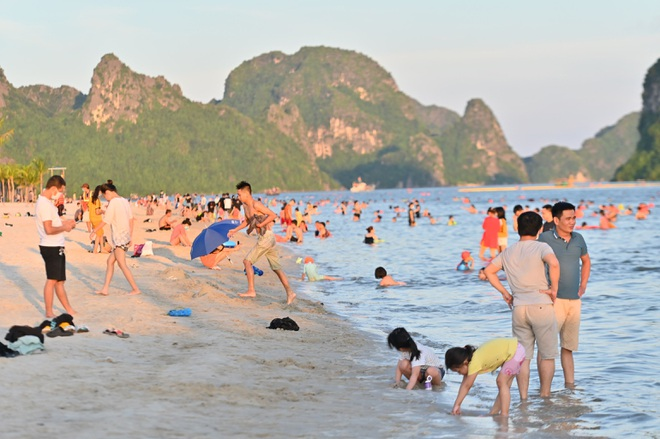 Hơn 100 ngày không có ca nhiễm cộng đồng, Quảng Ninh thay đổi chiến lược - 2