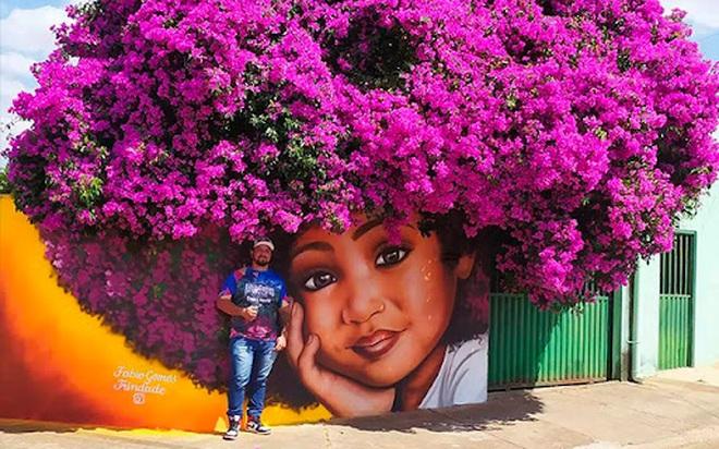 Bức tranh cô bé với mái tóc là giàn hoa giấy khổng lồ gây sốt mạng xã hội - 3