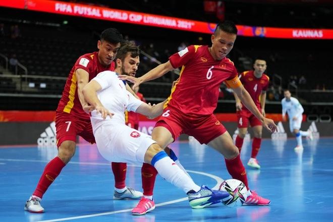 Cổ động viên châu Á: Futsal Việt Nam khiến cả châu lục thấy tự hào - 2