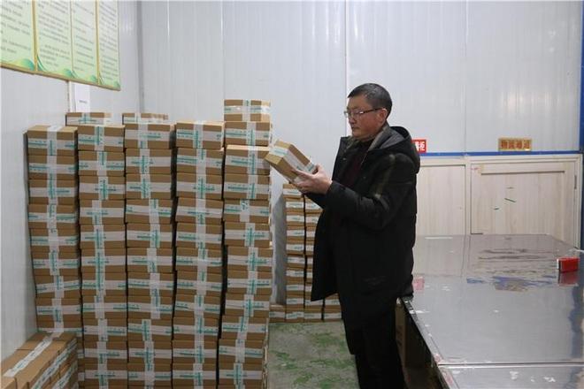 Bỏ phố về quê làm nghề trồng hoa loa kèn, doanh thu chục tỷ đồng mỗi năm - 4