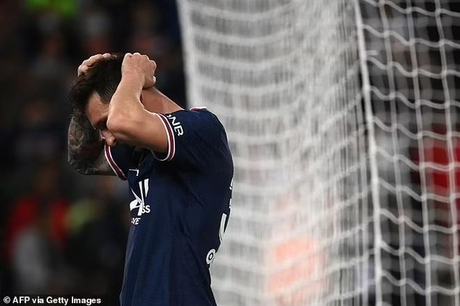 Messi hụt siêu phẩm, Icardi hóa người hùng giúp PSG thắng Lyon - 3