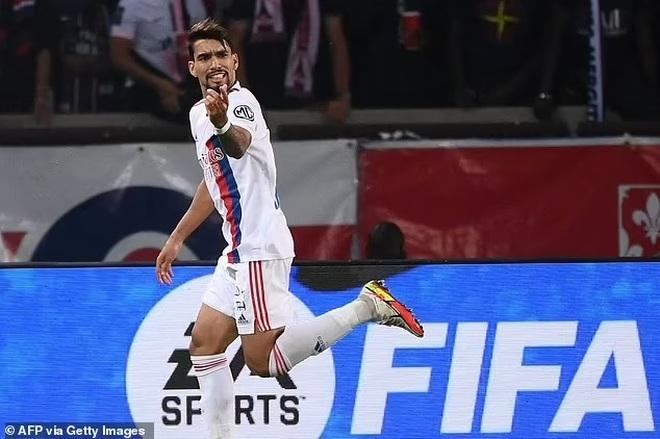 Messi hụt siêu phẩm, Icardi hóa người hùng giúp PSG thắng Lyon - 4