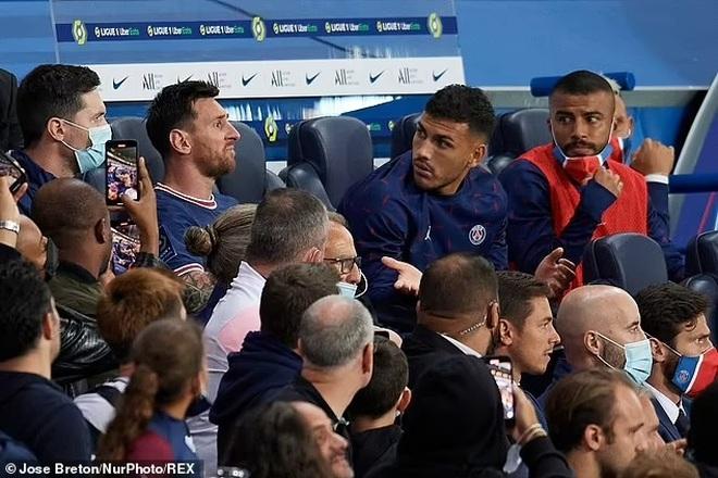 Messi tỏ thái độ, HLV Pochettino lên tiếng giải thích - 3