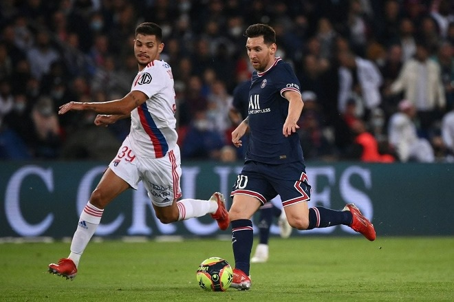 Messi hụt siêu phẩm, Icardi hóa người hùng giúp PSG thắng Lyon - 1