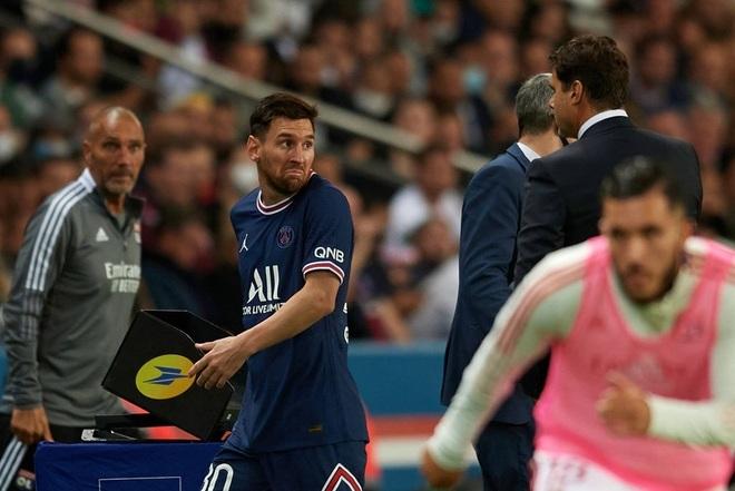 Messi tỏ thái độ, HLV Pochettino lên tiếng giải thích - 2