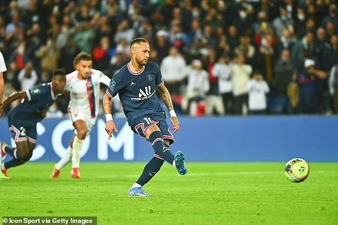 Messi hụt siêu phẩm, Icardi hóa người hùng giúp PSG thắng Lyon - 5