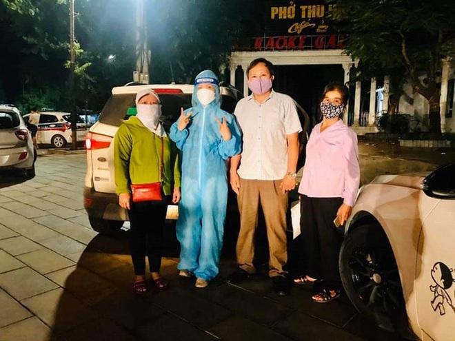 Người phụ nữ lái xe hàng ngàn km chở bệnh nhân về nhà miễn phí - 1