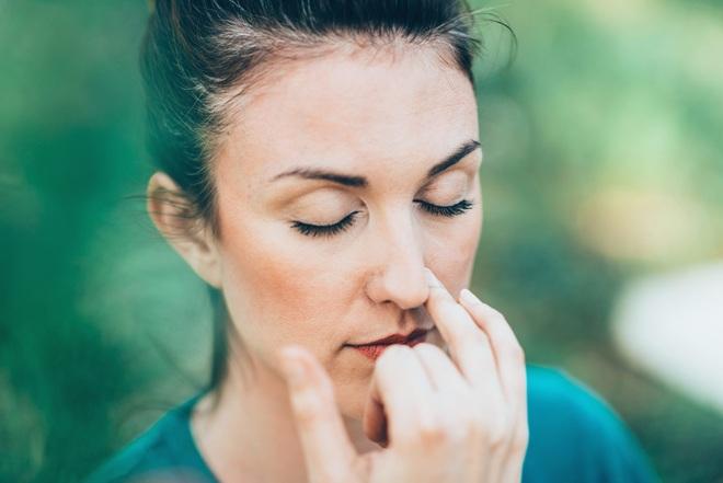 Tại sao chúng ta không thở đều bằng cả hai lỗ mũi? - 1