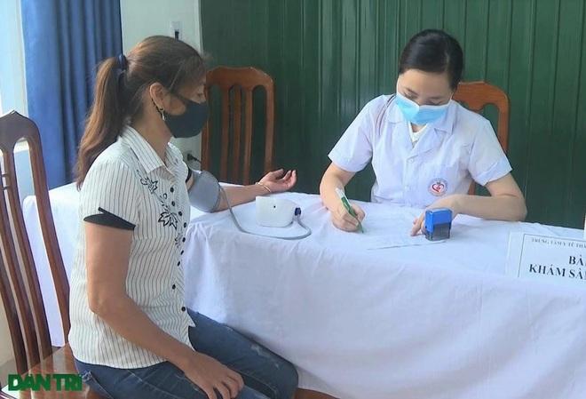 Ninh Bình: Tiêm vắc xin phòng Covid-19 cho 17.000 giáo viên - 2