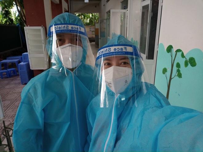 Sỹ Toàn - Ngọc Tiên kể về 3 tháng làm tình nguyện viên chống dịch - 1