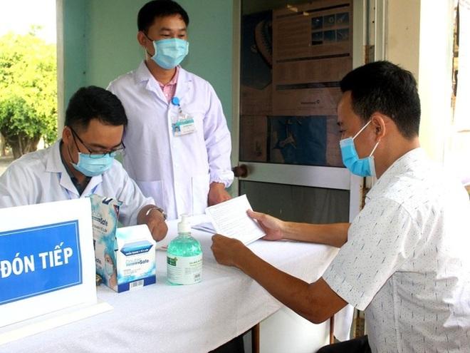 Giải quyết tình trạng thiếu nhân lực ngành y tế - 1
