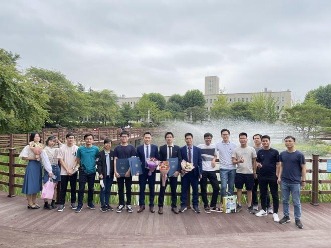 Người Việt tại Hàn Quốc học cách sống chung an toàn với Covid-19 - 4