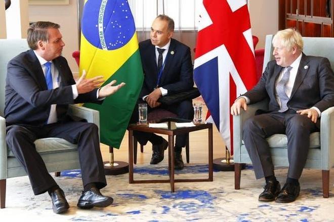 Thủ tướng Anh giục Tổng thống Brazil tiêm vắc xin Covid-19 - 1