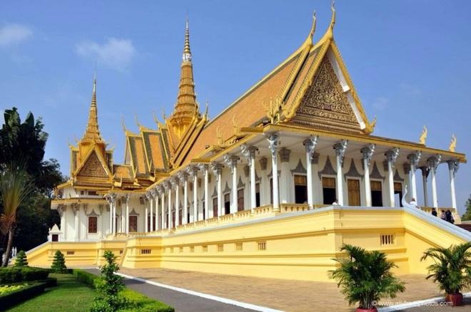 Campuchia bác bỏ thông tin Thái tử muốn mua đội bóng đá tại Pháp - 1