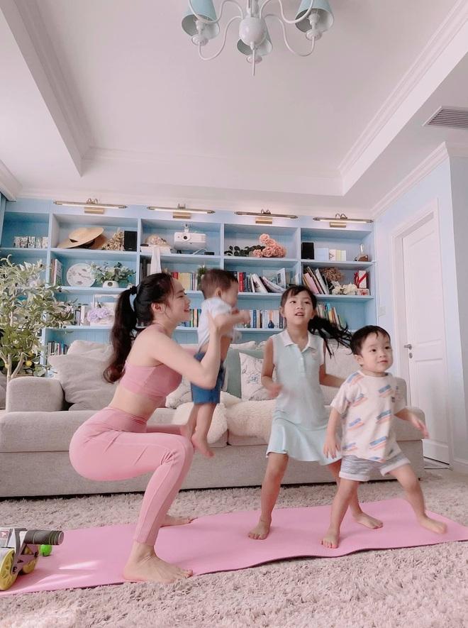 Bà mẹ 3 con chia sẻ tuyệt chiêu tập luyện giữ dáng tại nhà mùa dịch - 6