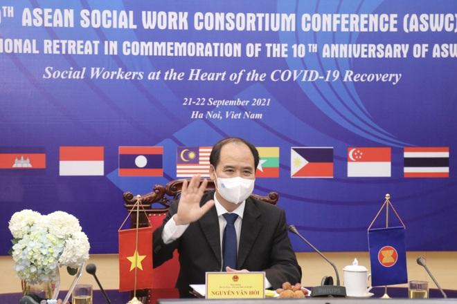Công tác xã hội góp phần ứng phó đại dịch Covid-19 - 2