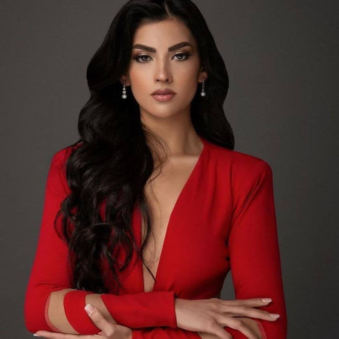 Hết thi Hoa hậu Thế giới, Trái đất, người đẹp Chile lại thi Hoa hậu Hoàn vũ - 3